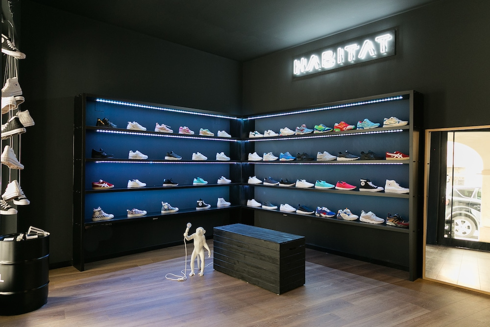Nasce habitat nuovo concept store di sneakers limited for Habitat outlet