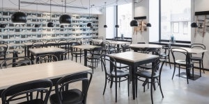 01_Thonet_Motel One Wien_05_l