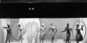 Gian Carlo Ortelli, La Rinascente grandi manifestazioni. Il Giappone, 1956, allestimento esterno, fotografia Serge Libiszewski, Archivio Amneris Latis, Milano