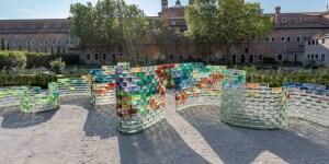 Pae White, Qwalala, installazione, Venezia 2017. Foto di Enrico Fiorese