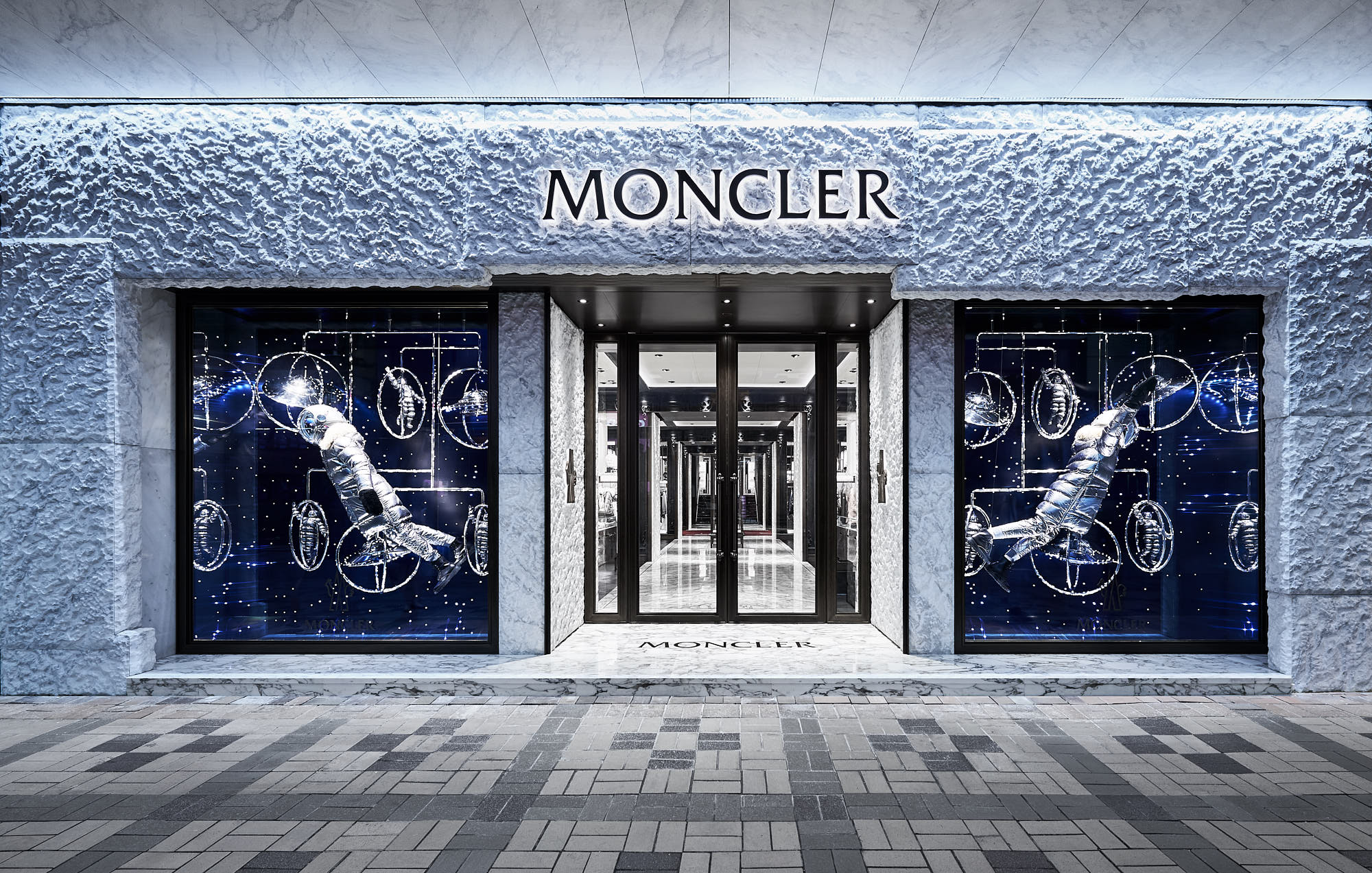 moncler showroom milano