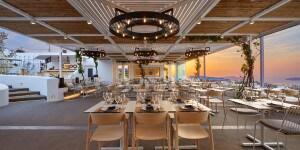 Pyrgos Restaurant_Santorini_Pedrali_ph credits Antonis Eleftherakis photography (2)_low