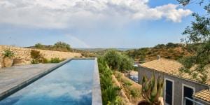 Villa nella campagna di Noto. Progetto di Andrea Rogora con Gladys Escobar, progetto d'interiors Carlo Pintacuda. Ph di Alberto Ferrero