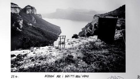 """Ettore Sottsass. Metafora n. 25a: Disegni per i diritti dell'uomo. 1973. """"... o vuoi guardare la valle?"""". Courtesy BDC28, Parma"""
