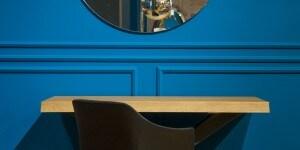 Riflessi Store Roma_2° livello_consolle e specchio