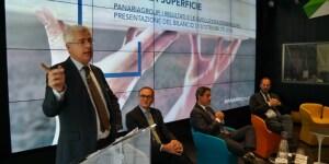 Da sinistra, Luca Orlando, il Sole 24 Ore; Emilio Mussini, Presidente Panariagroup; Franco Amelio, Partner Deloitte Sustainability; Mario Cucinella, Founder MCA.