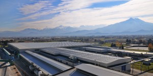Lo stabilimento AGC Flat Glass Italia di Cuneo.