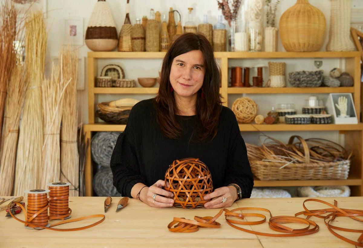 04 LOEWE Baskets_Salone del Moblie 2019_Spanish artisan Idoia Cuesta