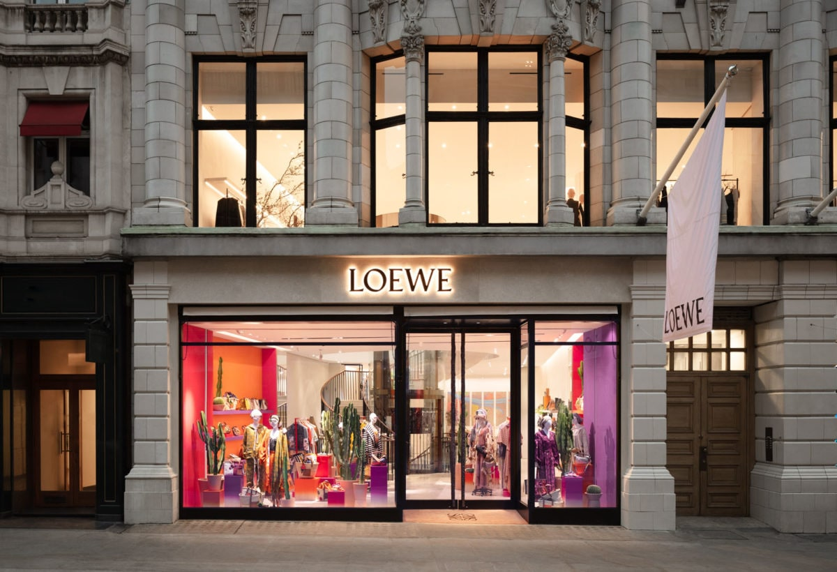 01 CASA LOEWE LONDON_41-42 New Bond Street