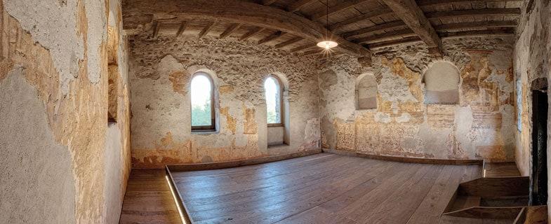 Illuminazione per gli affreschi di un Monastero