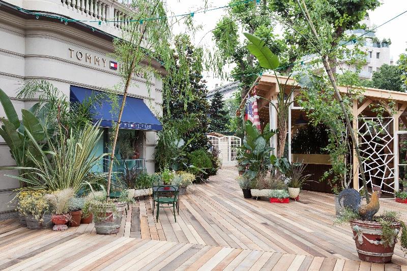 Tommy  Hilfiger presenta Tommy Garden spazio pop up nel cuore di Milano
