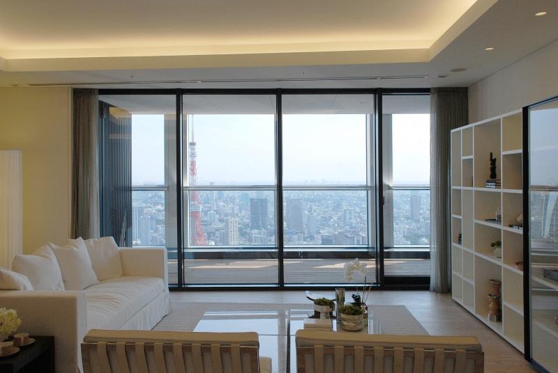 Il design italiano di Porro negli appartamenti mock-up dei grattacieli Toranomon Hills a Tokyo