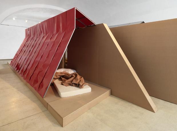Plastic Village. Il limite imperfetto tra architettura e design