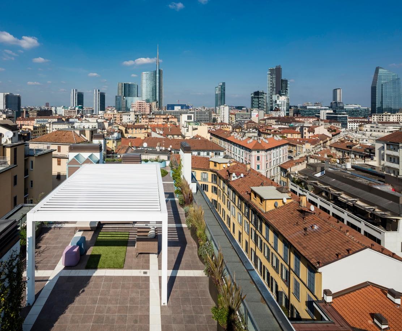Una stanza sui tetti di Milano