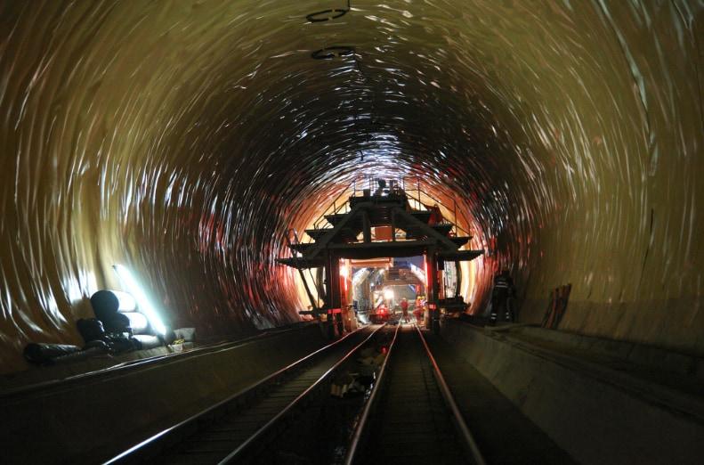 Delta Dörken per il tunnel del San Gottardo