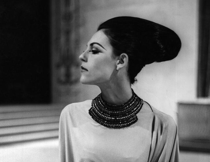 La donna allo specchio. Fotografia di moda negli anni Cinquanta e Sessanta