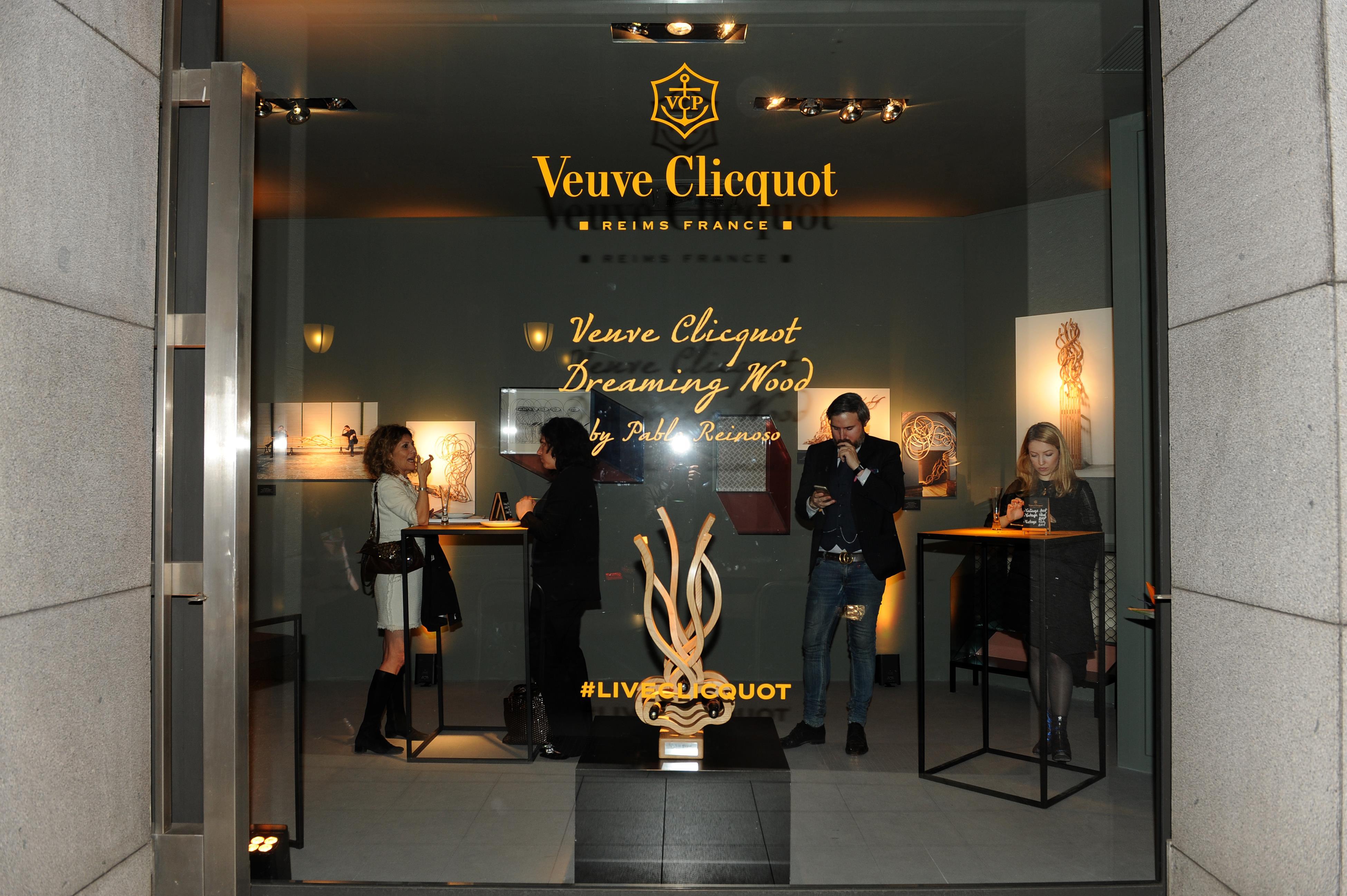 Veuve Clicquot Dreaming Wood