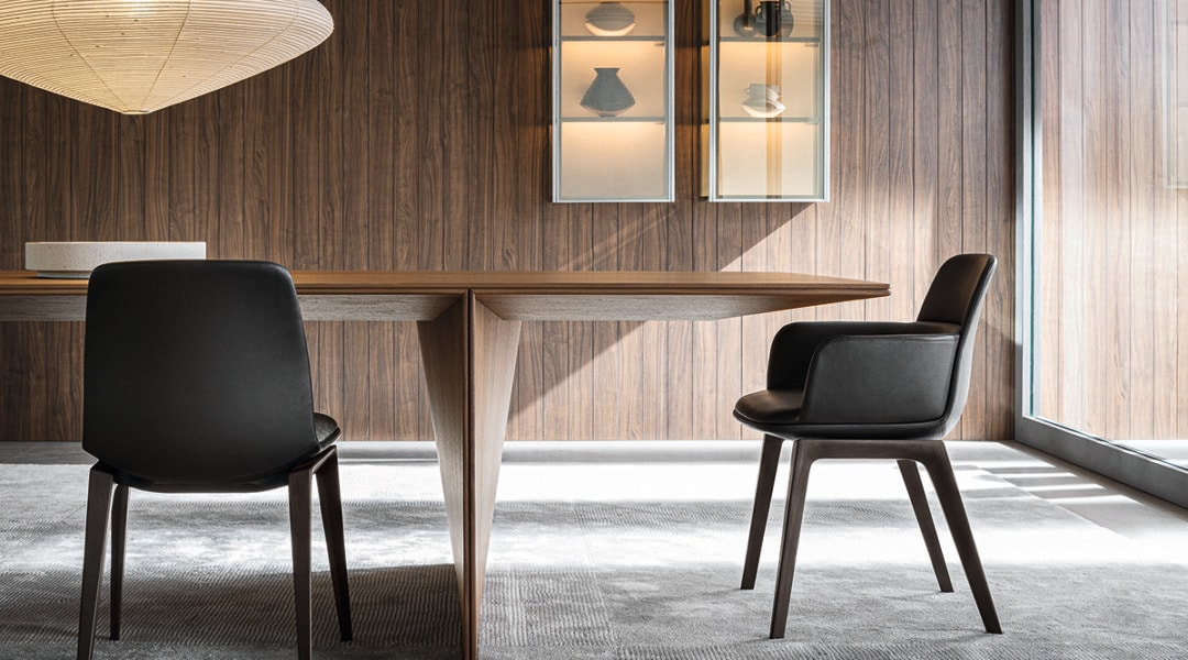 03 Ava Table Foster + Partners
