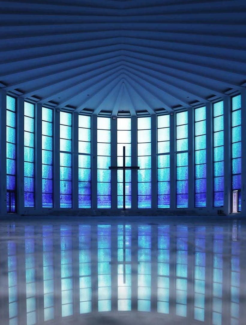 Una vetrata blu