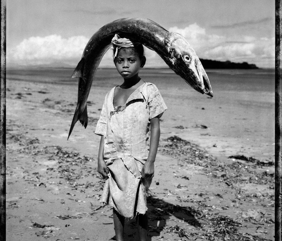14. Gian Paolo Barbieri, Childfish, Madagascar 1994, courtesy Fondazione Gian Paolo Barbieri – Copia