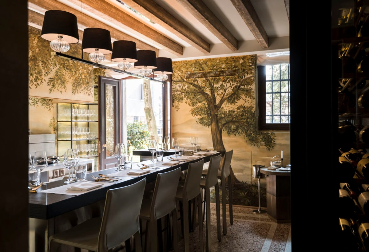 Aman Venice, Palazzo Kitchen Table