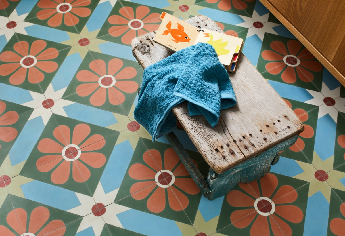 5_11_Kaldewei_Floor_tiles_in_bath