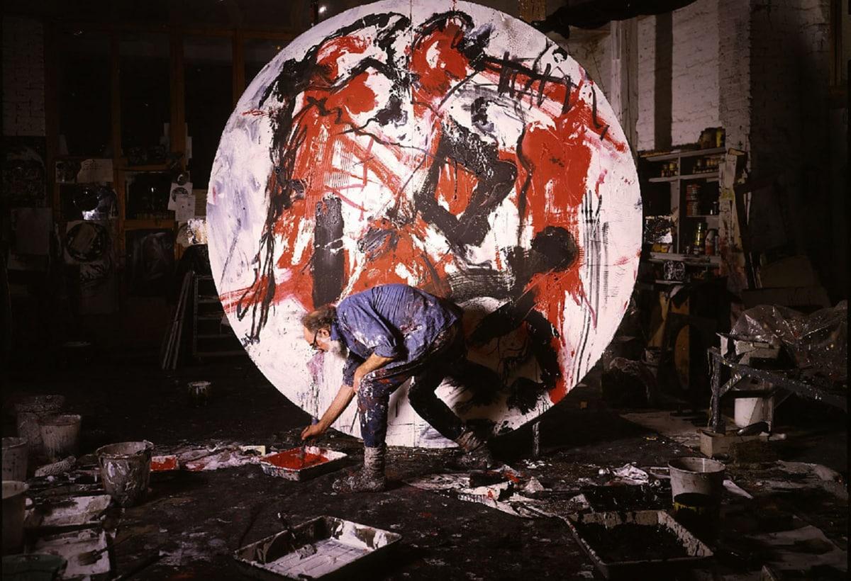 04_Emilio Vedova – Al lavoro ai Dischi, Venezia 1985 ©foto Paolo Mussat Sartor Torino, courtesy of Fondazione Emilio e Annabianca Vedova