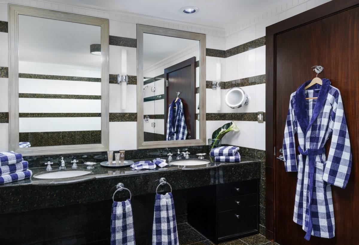 Hastens Suite_ Master Bathroom