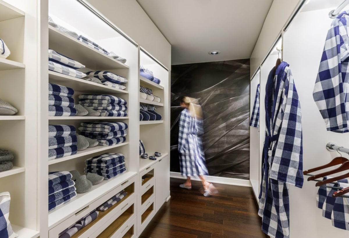 Hastens Suite_ Master Closet