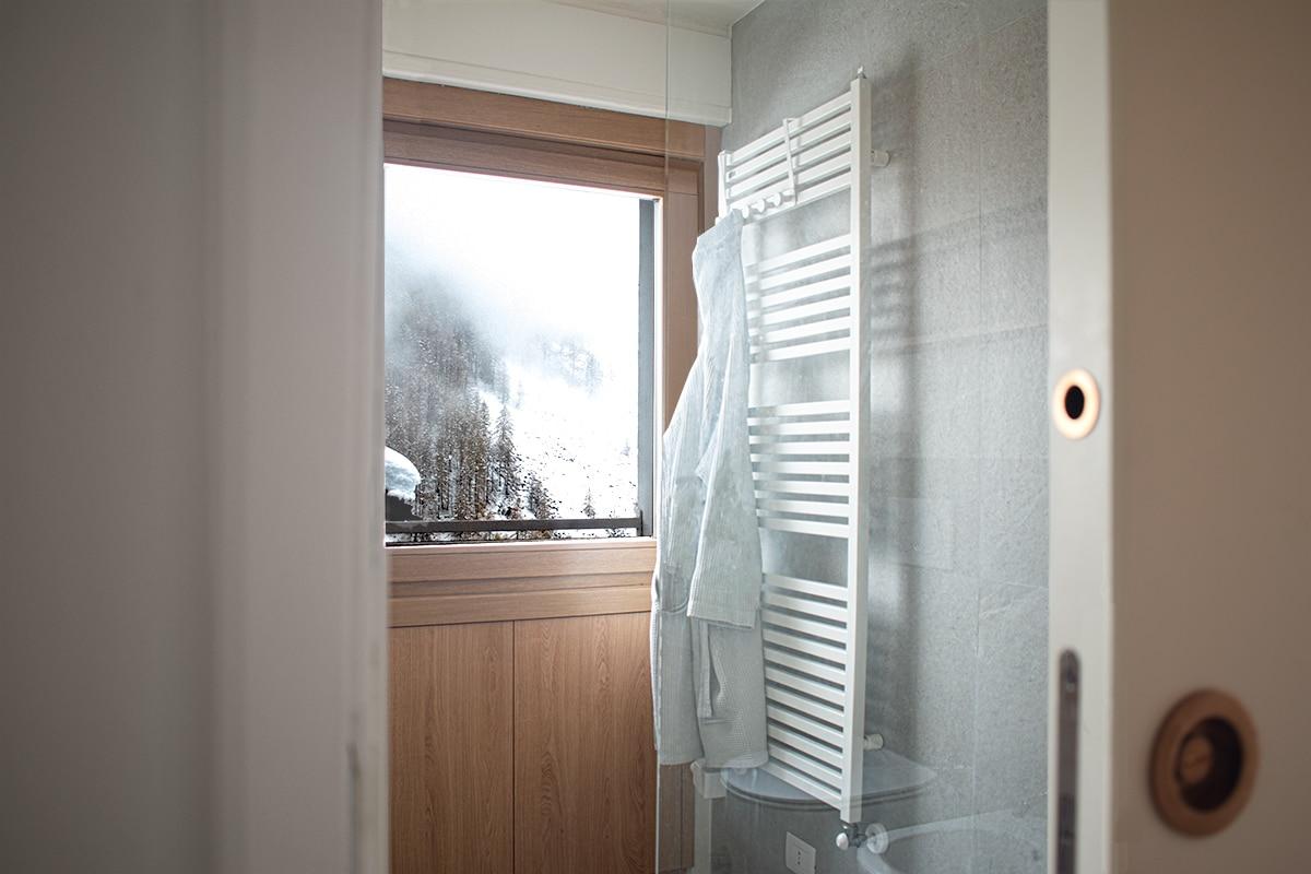 home in Valtournenche – bathroom