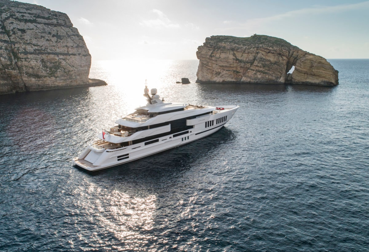Life Saga firmato Admiral Yacht (3)