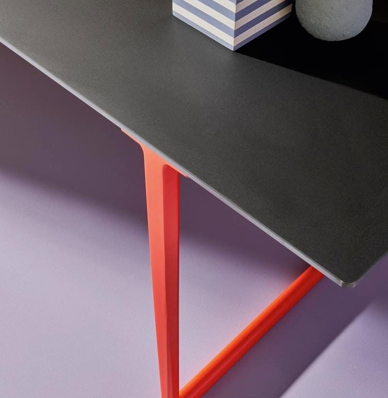 Pedrali_Toa table_Robin Rizzini_art direction Studio FM_photo Andrea Garuti (3)