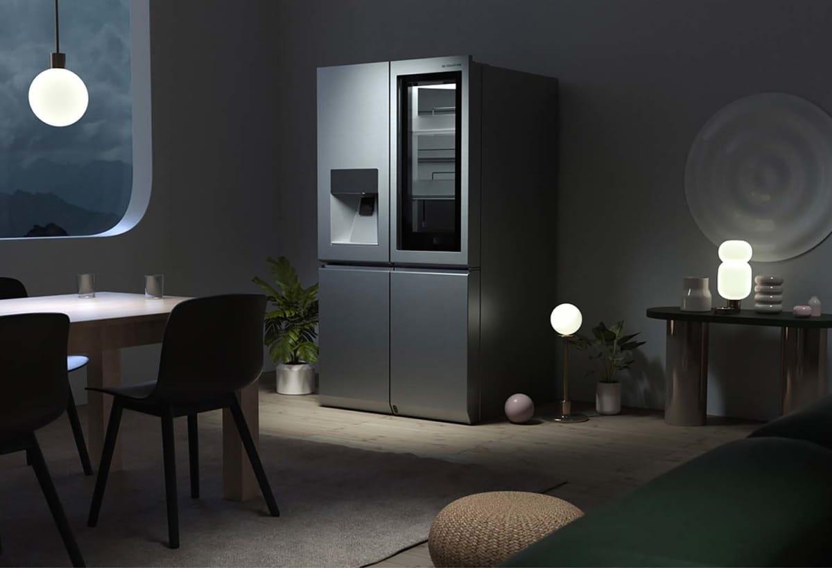 3. Santi Zoraidez LG SIGNATURE Refrigerator