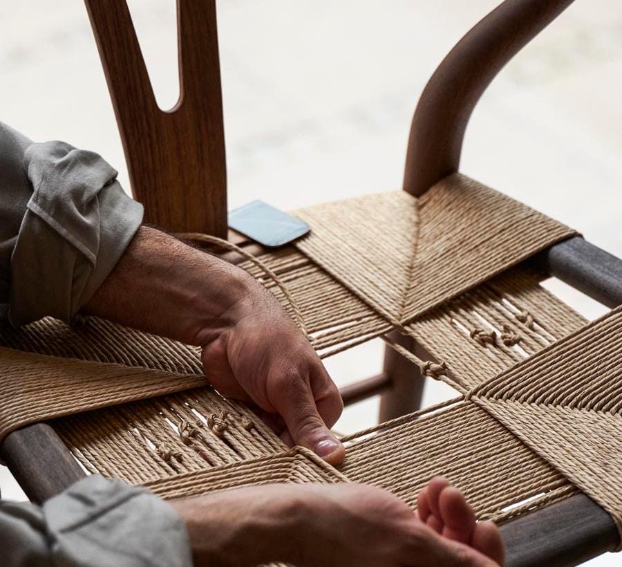 CH24-weaving-carl-hansen-and-son