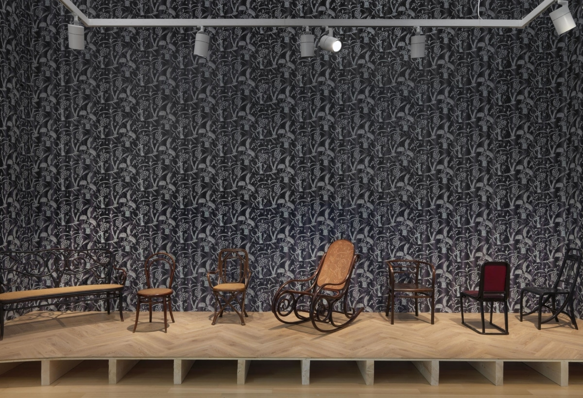 Stedelijk_Museum_From_Thonet_to_Dutch_Design_installation_view_01-min