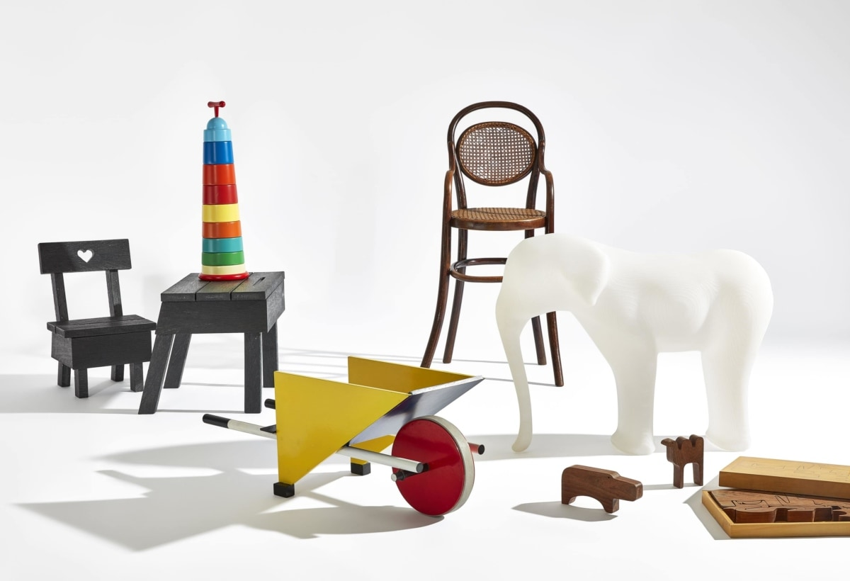 Stedelijk_Museum_From_Thonet_to_Dutch_Design_press_image_kids furniture-min