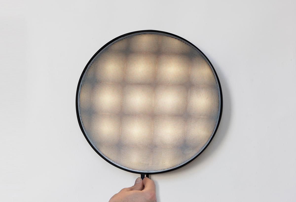 Moire Light Square hand big-David Derksen Design Studio_alta