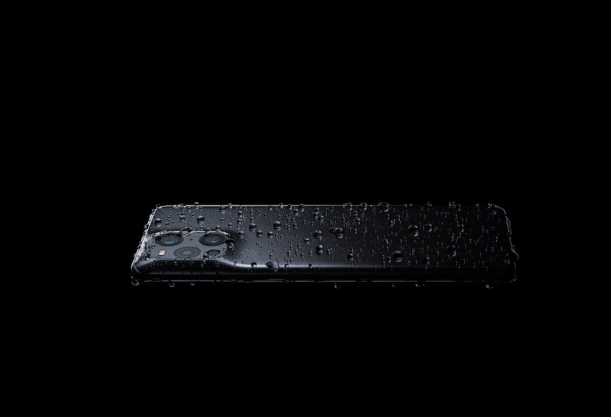 06 – Fussi_场景图Scenerio Images_黑 Gloss Black_手机防水waterproof_RGB