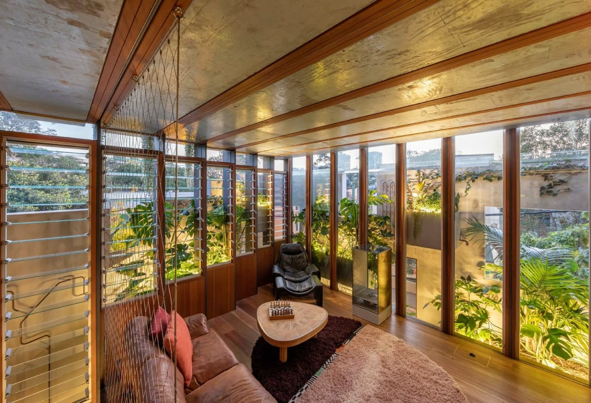 11. WELCOME TO THE JUNGLE HOUSE_LIVING SPACE