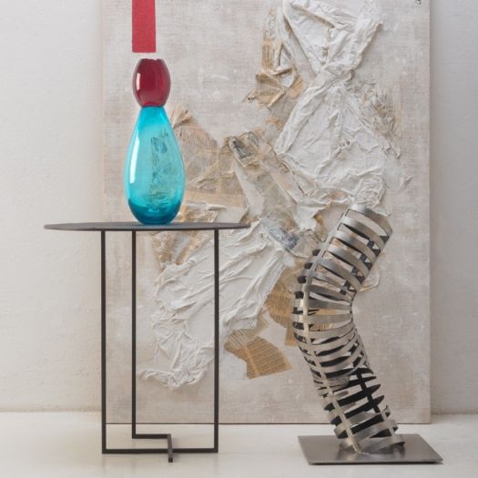 Purho – King Aquamarine and Ruby Vase by Karim Rashid (image not in the collection)