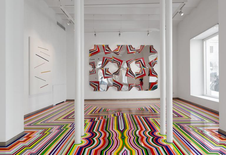01_Jim Lambie_Zobop Colour-Chrome_2019_Installazione site specific