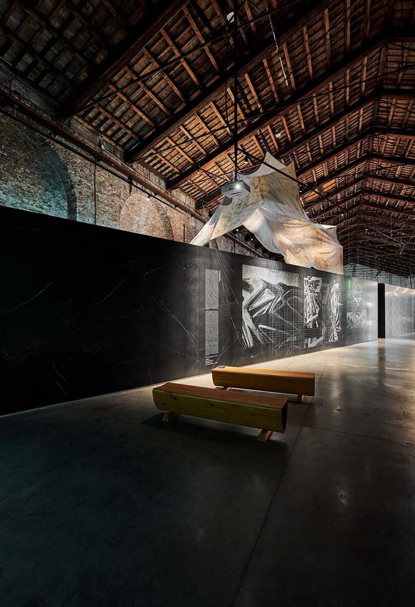 Cyberwall: ceramiche eco-attive alla Biennale