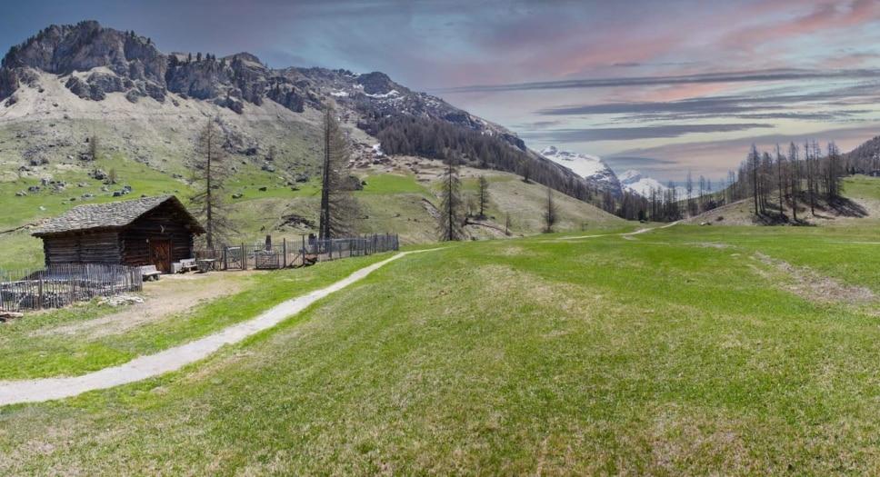 Rifugio in Val Fex, Engadina Ph. Marco De Scalzi. Courtesy Fondazione Beatrice Trussardi