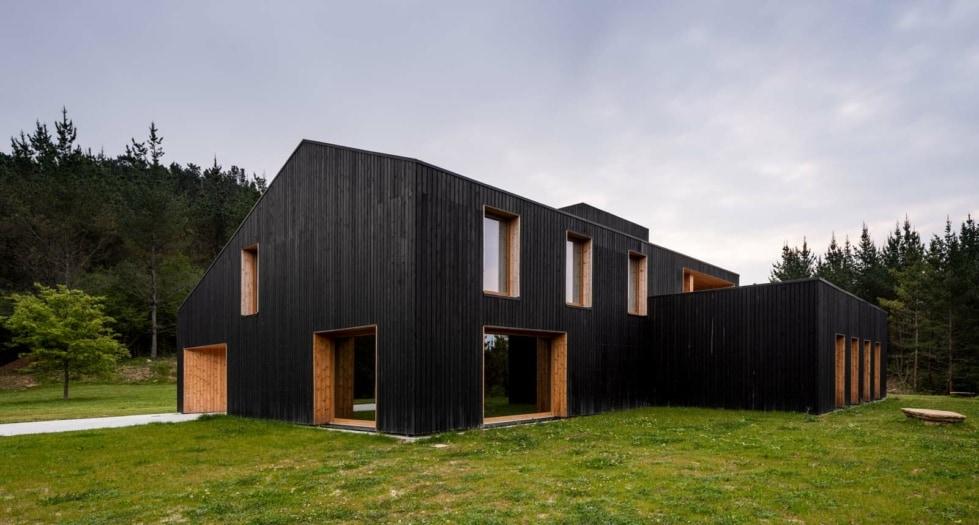 Caserío Azkarraga by Babel Studio e Bonadona Arquitectura. Biderbost Photo