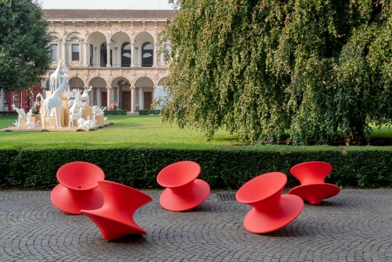 OUTDOOR_LOUNGES_MAGIS_SLV_002