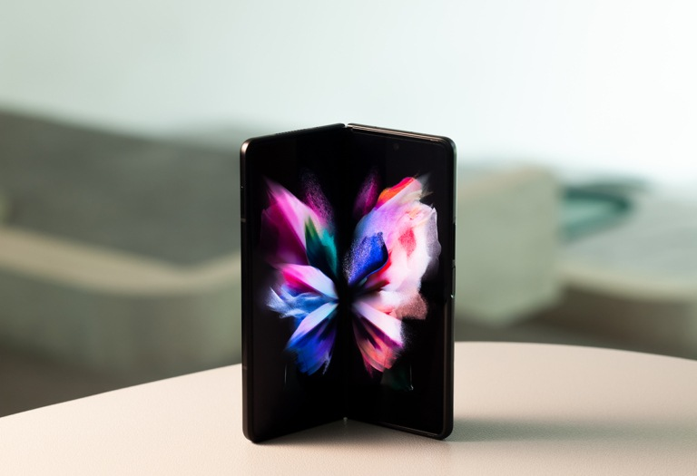 Samsung Galaxy Z Fold3_5g_phantomblack orizzontale