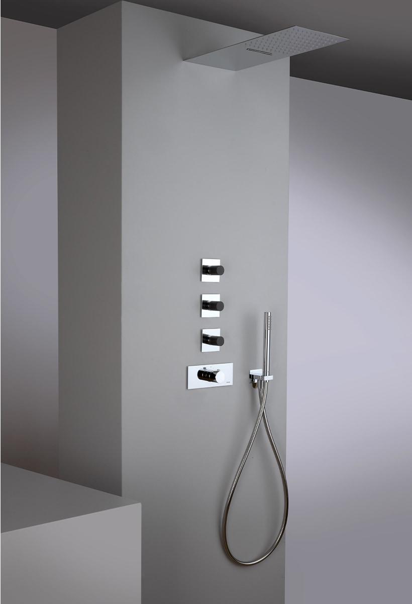 Narciso S e i nuovi colori del bagno