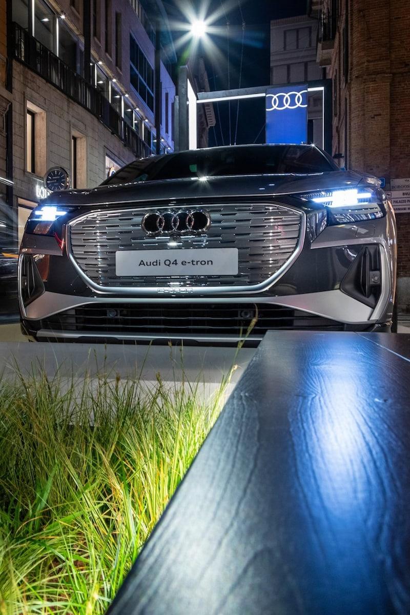 Audi Q4 e-tron: un'auto dal design avveniristico