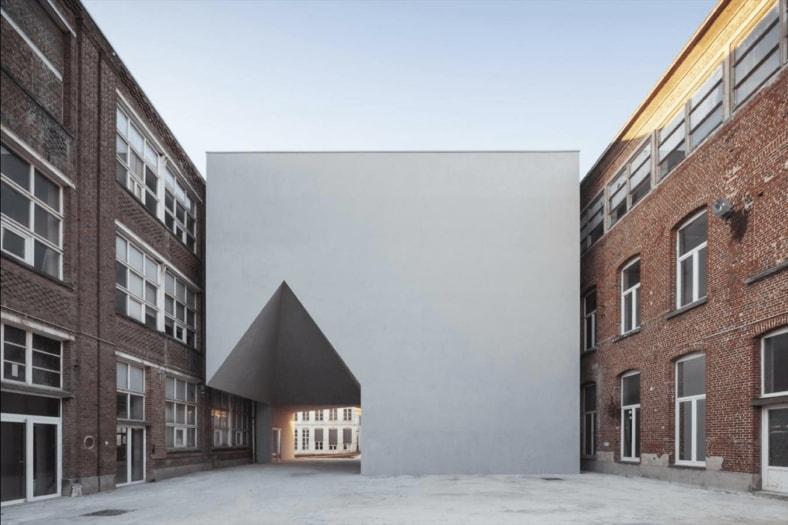 Aires Mateus- Université de Tournai_TimVanDeVelde-LOCI015-tr-1200×800